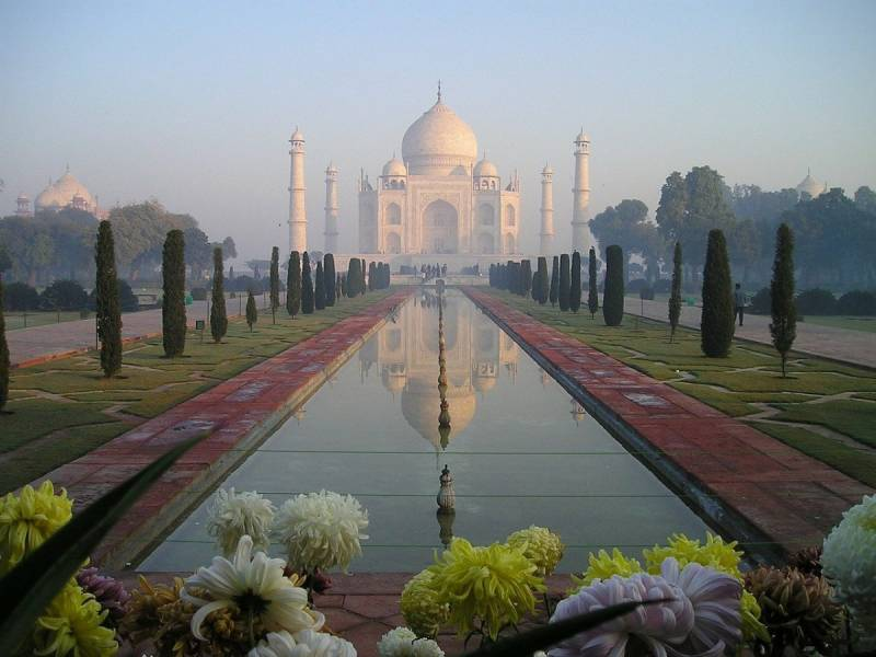 Places to Visit on Valentine's Day Taj Mahal
