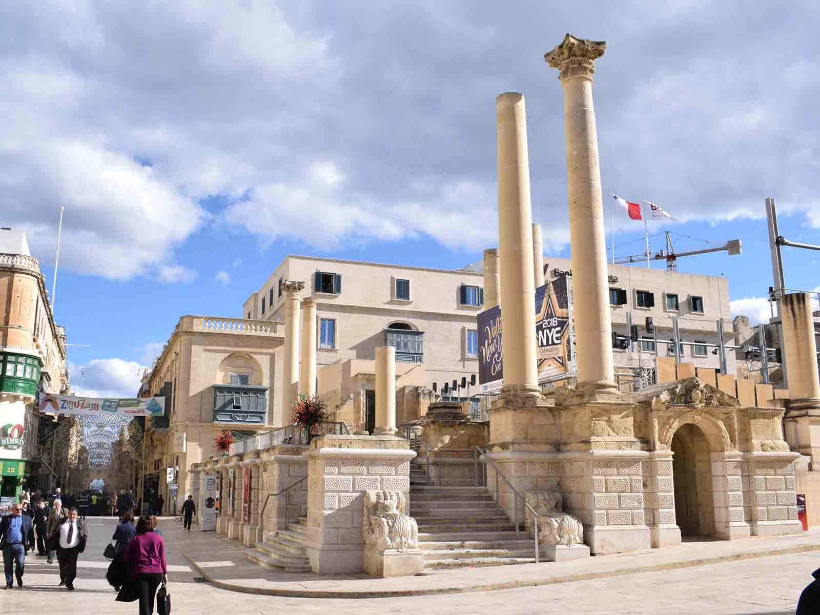 Valletta – the tiny but mighty capital of Malta Pjazza Teatru Real