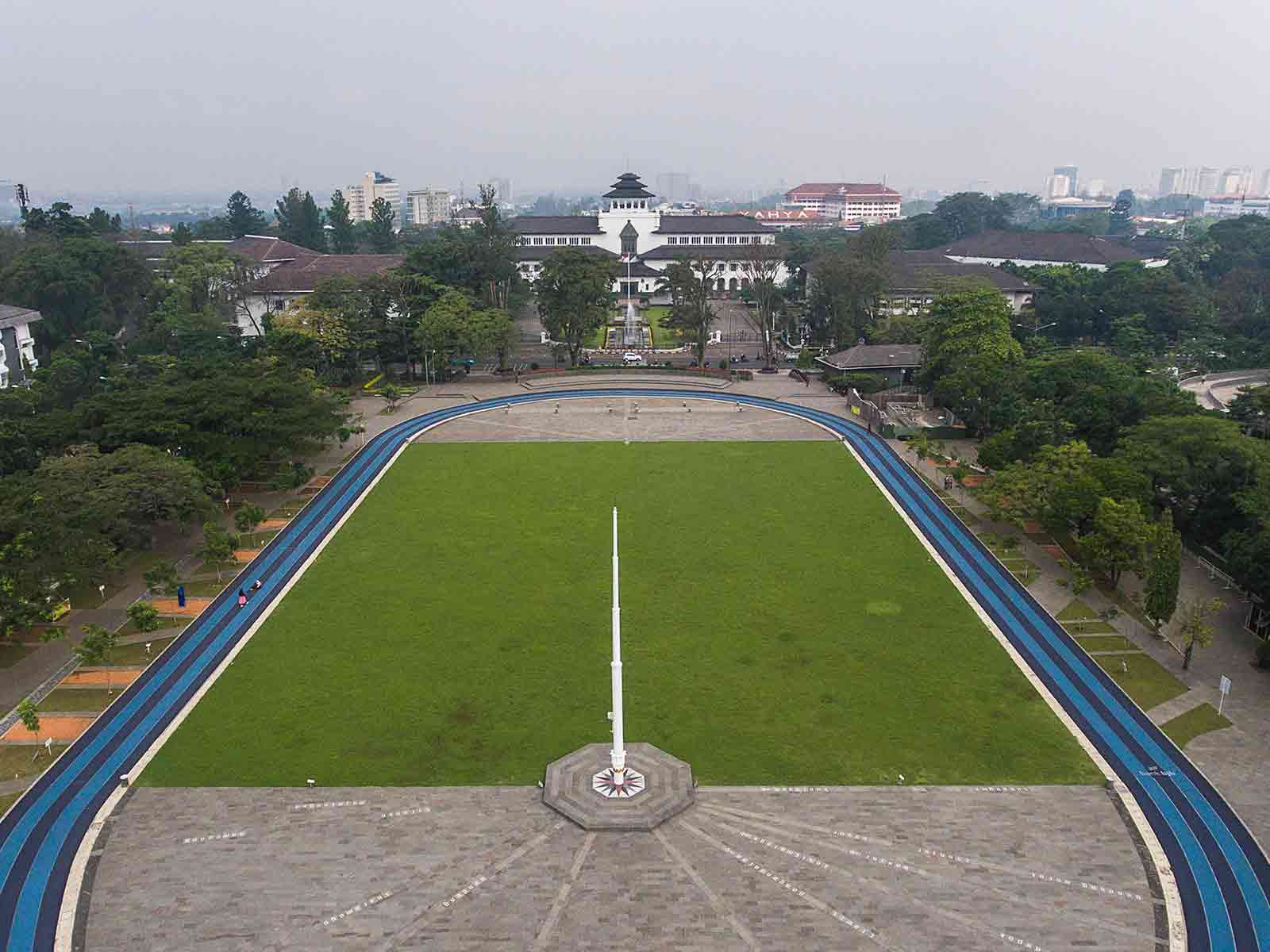 Gasibu Field Bandung - The Paris of Java