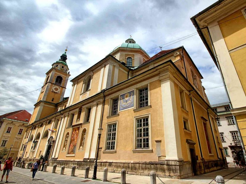 Top 10 things to do in Ljubljana St. Nicholas Cathedral