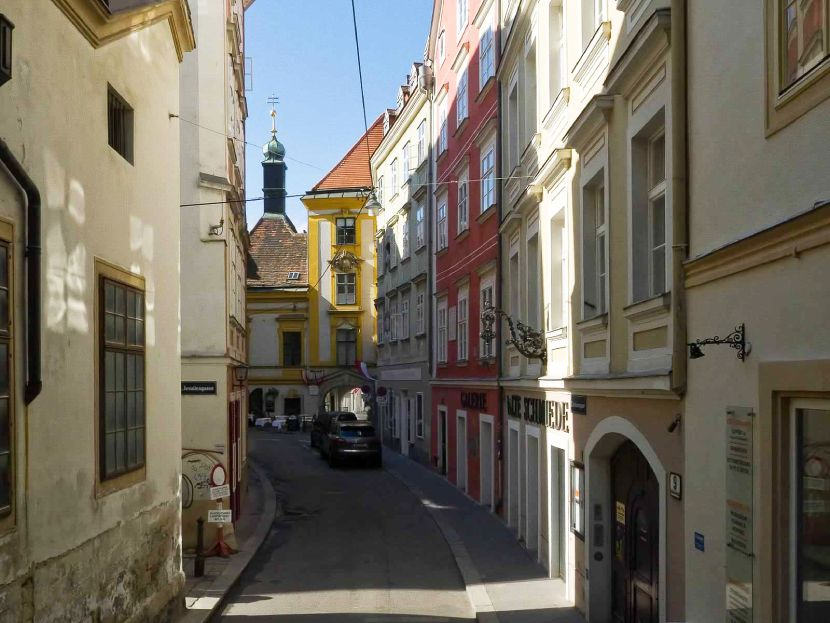 Explore the Heart of the Old Town of Vienna Schönlaterngasse