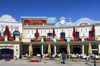 Madame Tussauds Museum in Vienna – The Most Famous Wax Museum