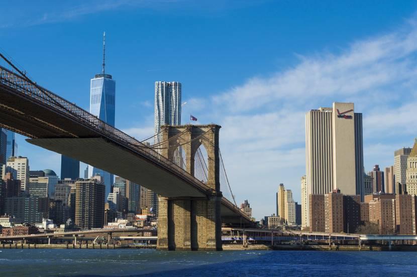Must-see Places in New York -  Brooklyn Bridge