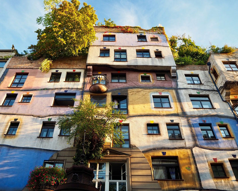 What to Do in Vienna: The Hundertwasserhaus