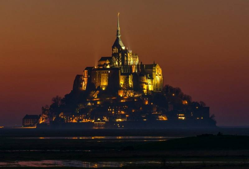 Interesting Buildings in Europe: Mont Saint Michel