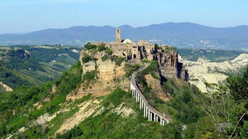Places in Europe - Civita di Bagnoregio, Italy