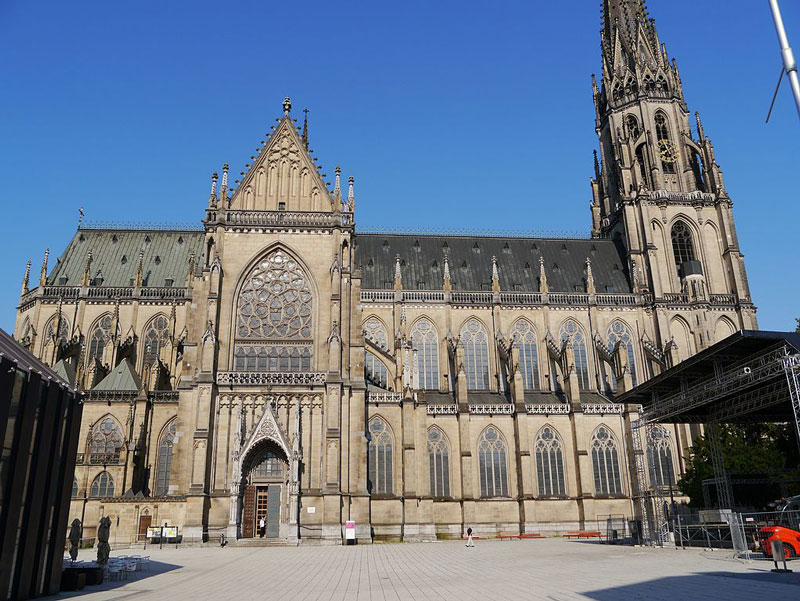 Explore Linz: The New Cathedral