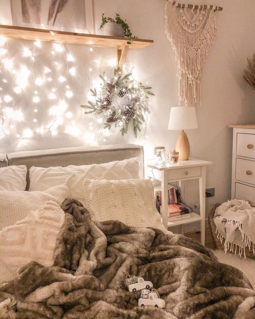 Ein Bild, das drinnen, Bett enthält.  Automatisch generierte Beschreibung