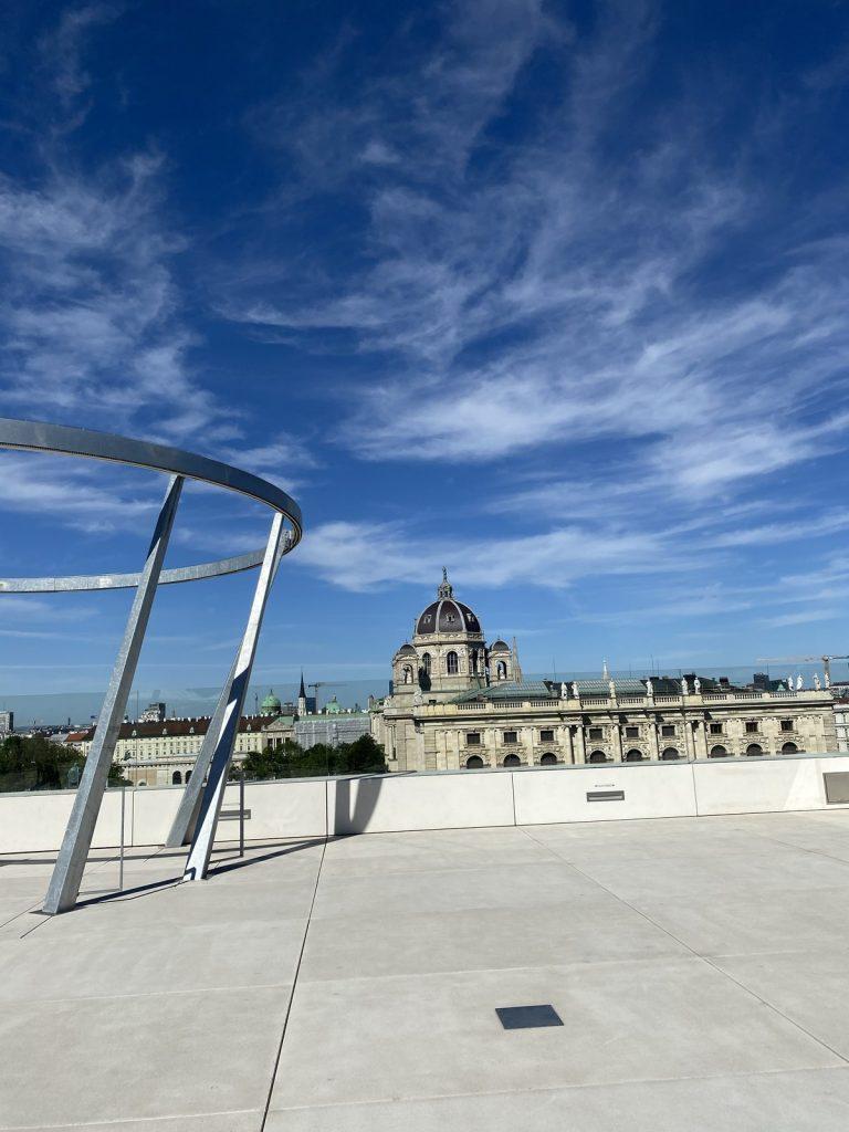 Ein Bild, das Himmel, draußen enthält.  Automatisch generierte Beschreibung