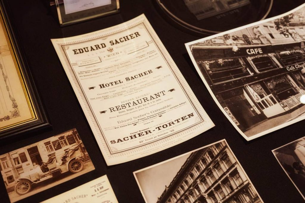 Historic photos © Hotel Sacher