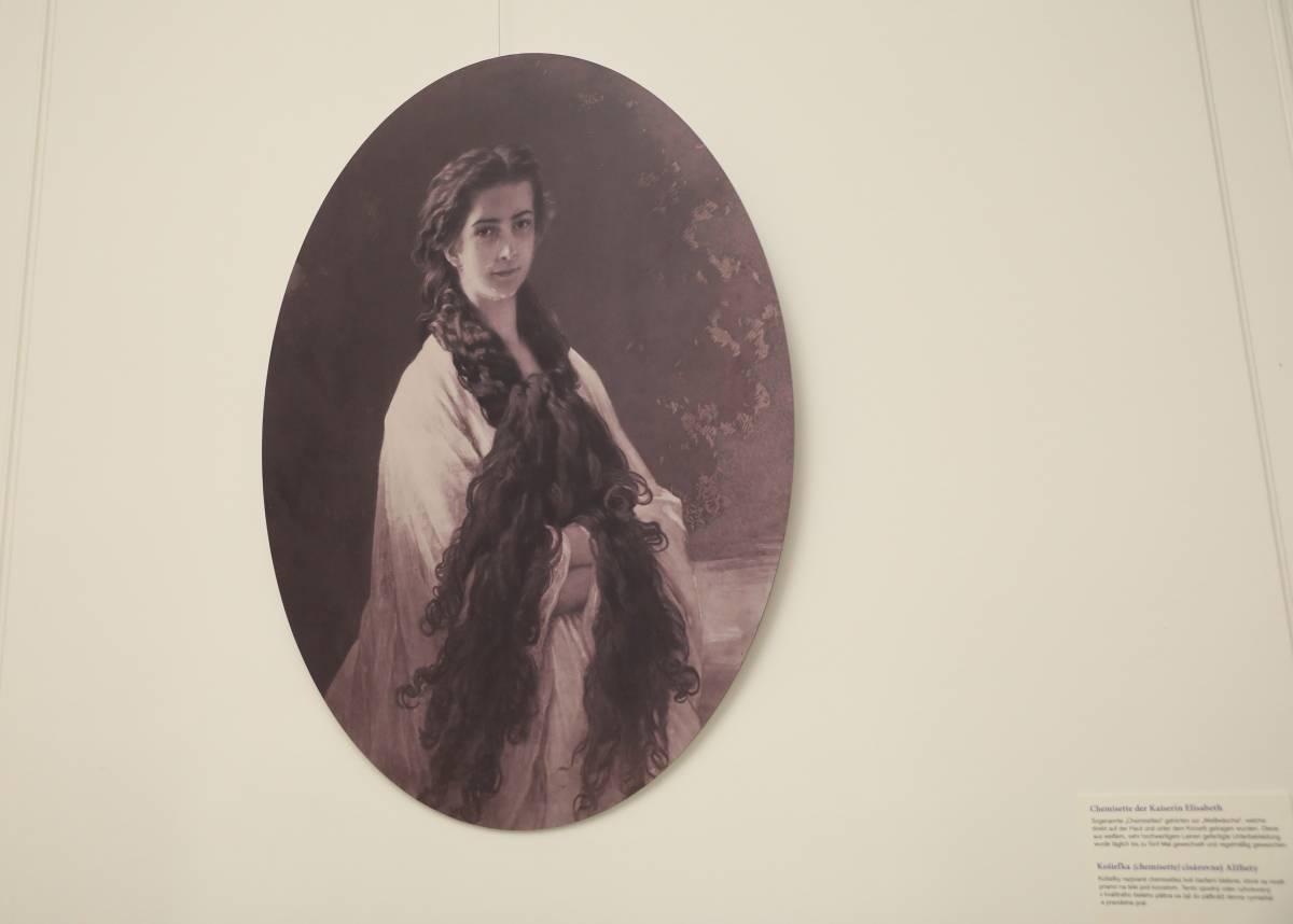 Altes Bild von Sisi mit langen, offenen Haaren